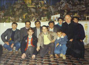 4) Gruppo presepisti 1987, coordinati come sempre da Aurelio Scaccia, Giuseppe Nicotra e Don Giuseppe Callari.